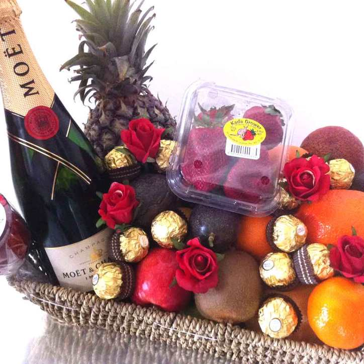 Gift-Basket-+-Moet-+-Chocolate