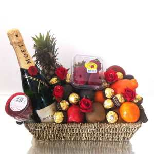 Gift-Baskets-+-Champagne-+-Chocolate