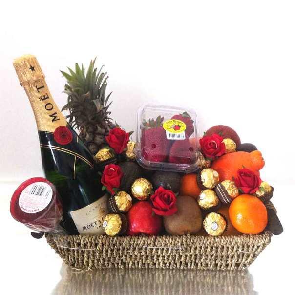 Gift-Baskets-+-Champagne-+-Chocolate