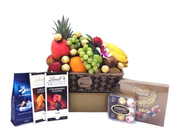 Deluxe-Chocolate-Fruit-Baskets